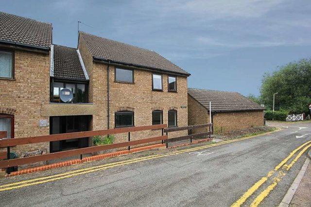 Image of 2 Bedroom Flat to rent in Brandon, IP27 at White Hart Lane, Brandon, IP27