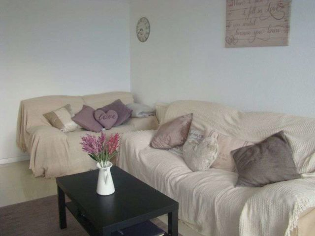Image of 3 Bedroom Flat to rent at Wellington Row  London, E2 7BA