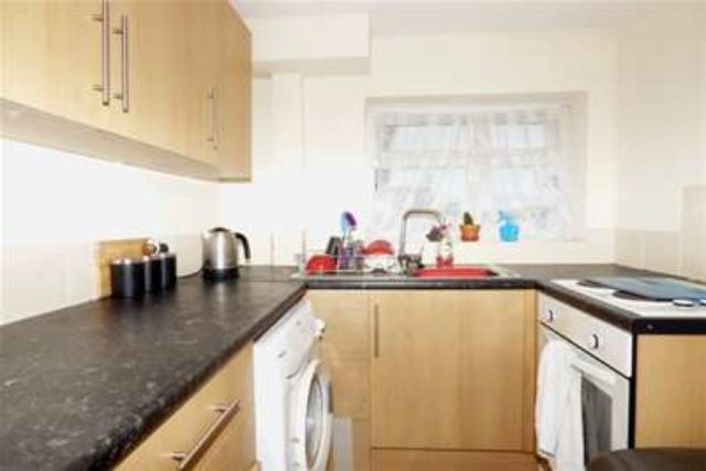 Image of 1 Bedroom Flat to rent at Portsmouth, PO2 0AQ