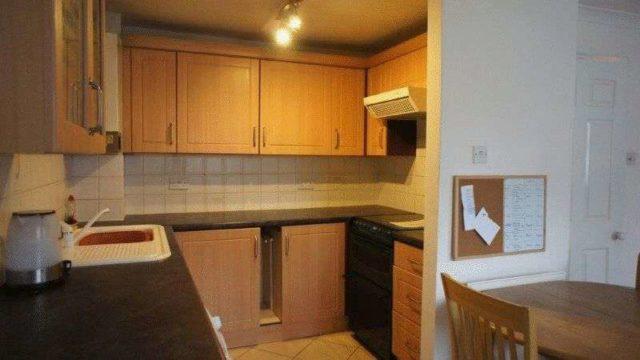 Image of 2 Bedroom Flat for sale in Newbury, RG20 at George Street, Kingsclere, Newbury, RG20