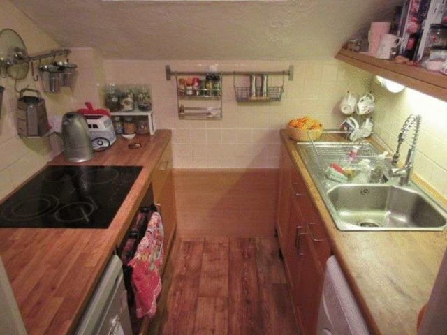 Image of 2 Bedroom Flat to rent at Madeira Road  Bournemouth, BH1 1QG