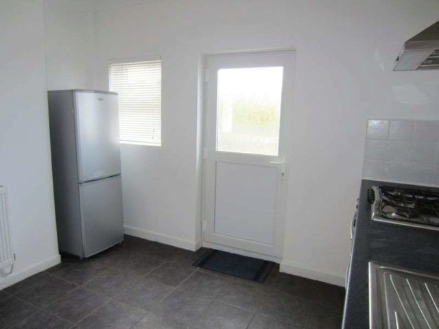 Image of 3 Bedroom Semi-Detached to rent at Pethybridge Road Ely Cardiff, CF5 4DT