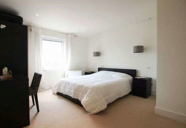 Image of 3 Bedroom Flat to rent at Fellows Court  Weymouth Terrace, E2 8LE