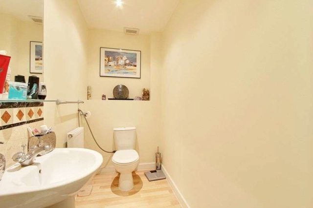 Image of 3 Bedroom Terraced for sale at Taywood Road  Northolt, UB5 6GB