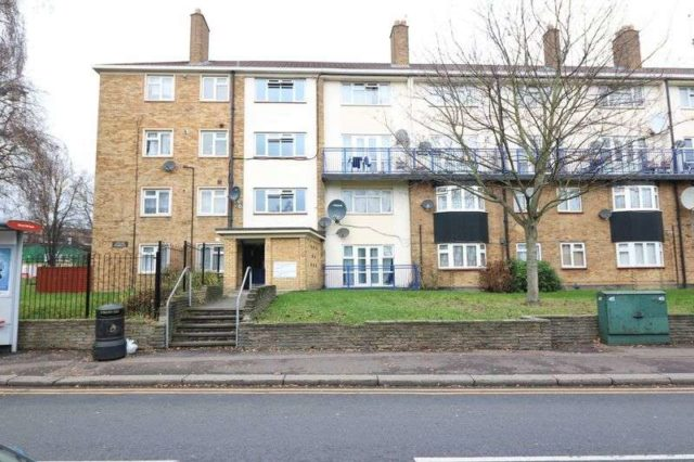 Image of 2 Bedroom Flat to rent at Prospect Hill  London, E17 3EG