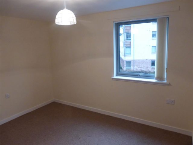Image of 2 Bedroom Flat to rent at Restalrig Edinburgh Edinburgh, EH7 6LN