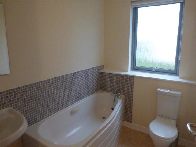 Image of 2 Bedroom Flat to rent at Restalrig Edinburgh Edinburgh, EH7 6LN