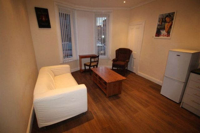 Image of 1 Bedroom Flat to rent at Queens Park Glasgow Glasgow, G42 8PP