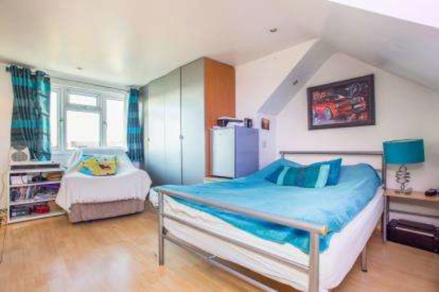 Image of 3 Bedroom End of Terrace for sale in Greenford, UB6 at Barmouth Avenue, Perivale, Greenford, UB6