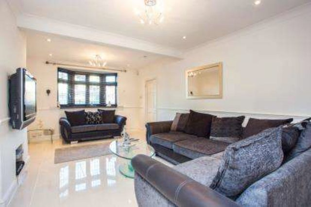 Image of 3 Bedroom Semi-Detached for sale in Greenford, UB6 at Bennetts Avenue, Greenford, UB6
