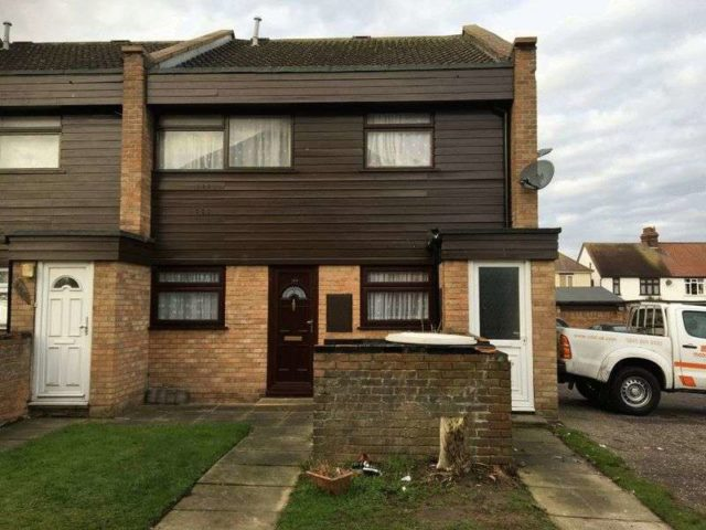 Image of 2 Bedroom Flat to rent in Clacton-on-Sea, CO15 at Knox Road, Clacton-on-Sea, CO15