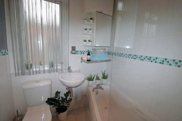 Image of 1 Bedroom Barn Conversion for sale at Winchmore Hill London Highlands Village, N21 1JU
