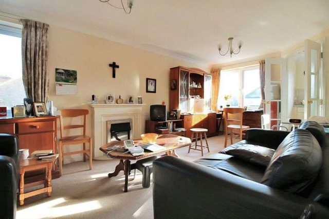 Image of 1 Bedroom Retirement Property for sale at 205 Winchmore Hill Road  Southgate, N21 1QN