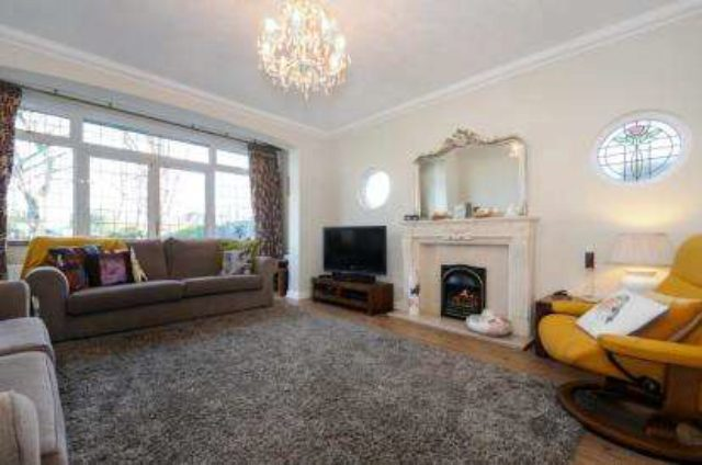 Image of 4 Bedroom Detached for sale in Orpington, BR6 at Hillview Road, Orpington, BR6