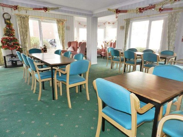 Image of 1 Bedroom Retirement Property for sale at Beach Road  Lee-on-the-Solent, PO13 9BP