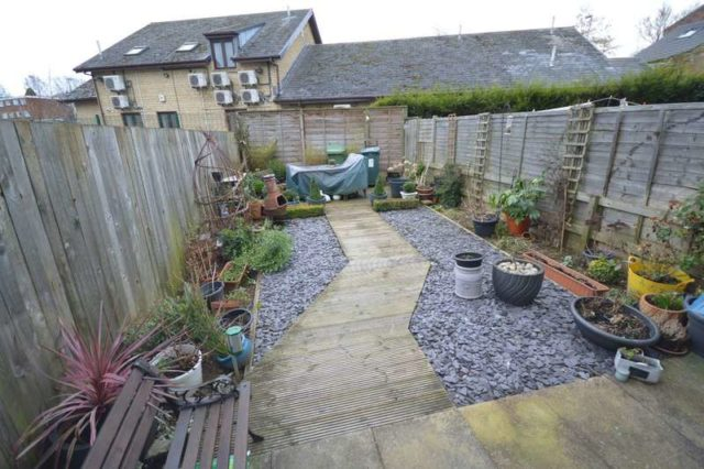 Image of 3 Bedroom Town House for sale at Batley Batley, WF17 8LZ