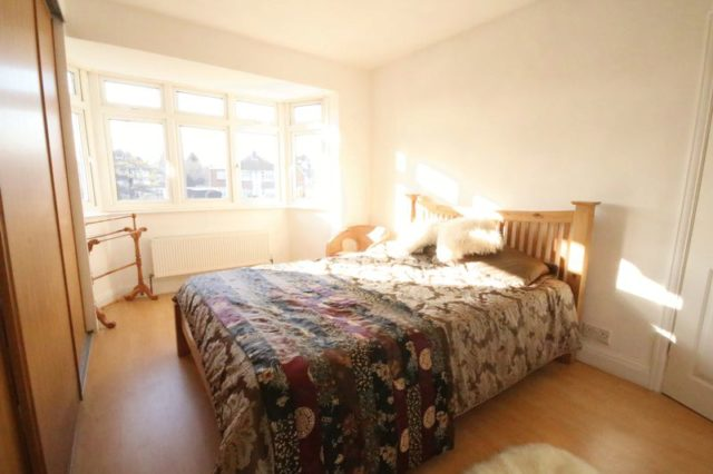 Image of 3 Bedroom Semi-Detached for sale at Brighton Road  Banstead, SM7 1BE