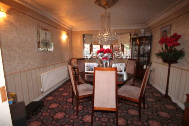 Image of 5 Bedroom Detached for sale at Swanton Road  Erith, DA8 1LP