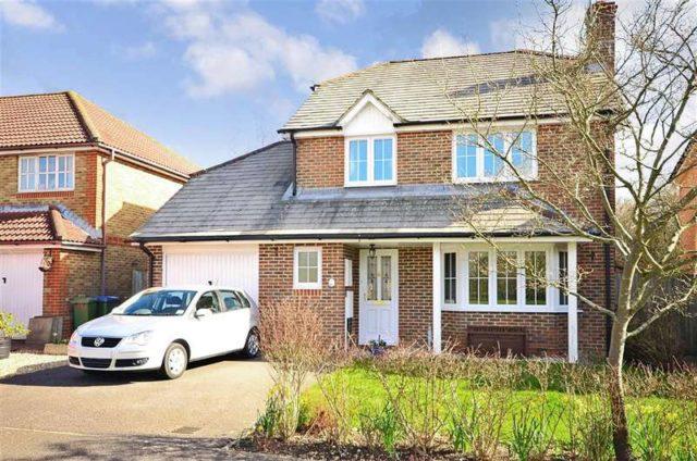 Image of 4 Bedroom Detached for sale at Southwater Horsham Horsham, RH13 9GS