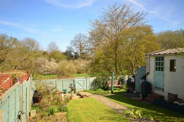 Image of 3 Bedroom Detached for sale at Horsham West Sussex Horsham, RH12 2AF