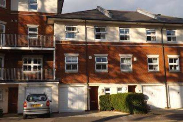 Image of 4 Bedroom Terraced for sale at Southampton Hampshire Shirley, SO15 5WA