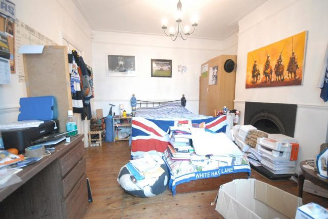 Image of 4 Bedroom End of Terrace to rent at Colliers Wood-  London, SW17 9DT