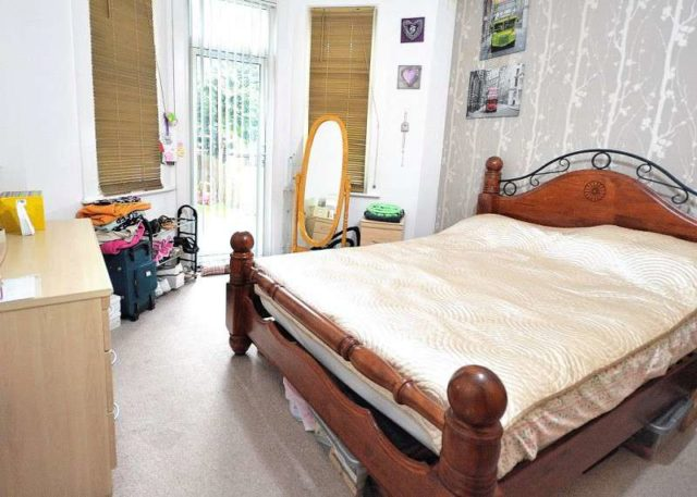 Image of 2 Bedroom Ground Flat for sale in Bowes Park, N13 at Devonshire Road, London, N13