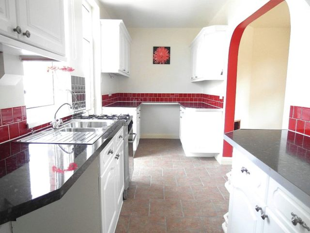 Image of 3 Bedroom Terraced to rent at Dewsbury Road  Dewsbury, WF12 7JW