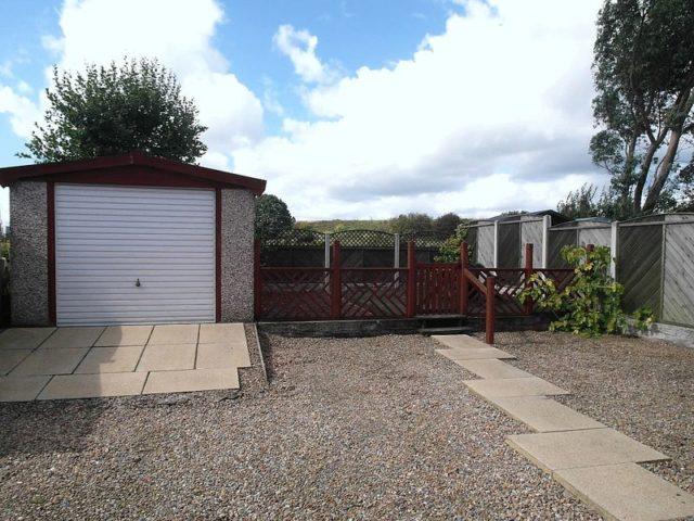 Image of 3 Bedroom Terraced to rent at Dewsbury Road  Dewsbury, WF12 7JW