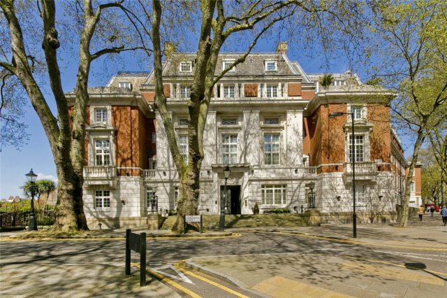 Image of 3 Bedroom Flat for sale in City of London, EC1R at Rosebery Avenue, London, EC1R