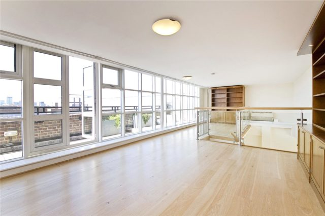 Image of 3 Bedroom Flat for sale in City of London, EC1R at Rosebery Avenue, London, EC1R