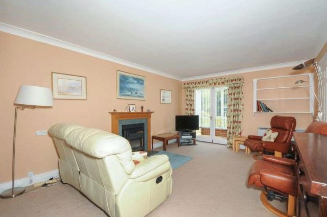 Image of 2 Bedroom Cottage for sale at Bearwater Charnham Street Hungerford, RG17 0NN
