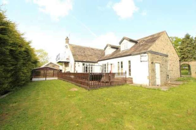 Image of 4 Bedroom Detached for sale at Otley North Yorkshire Otley, LS21 2PX