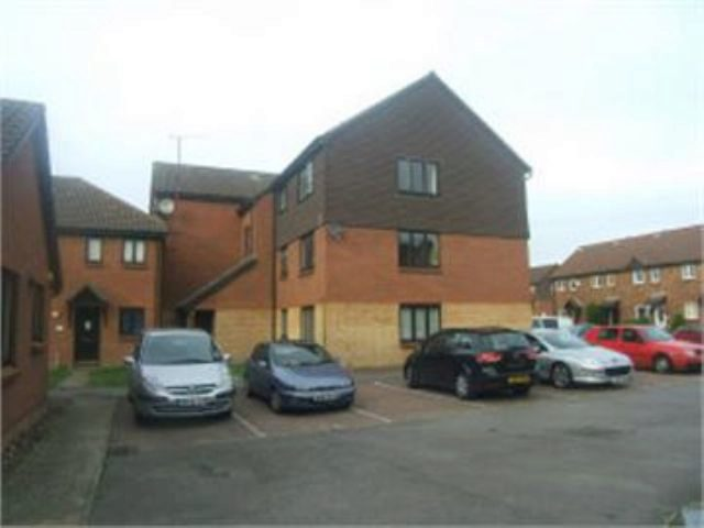Image of 1 Bedroom Ground Flat for sale at North Road  Wimbledon, SW19 1TP