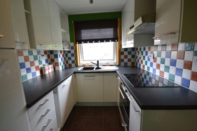Image of 2 Bedroom Flat to rent in Inverness, IV2 at Drynie Terrace, Inverness, IV2