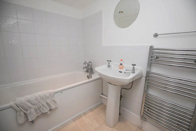 Image of 2 Bedroom Flat to rent in Dulwich, SE21 at St. Faiths Road, London, SE21