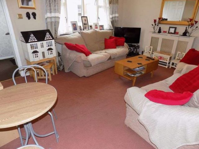 Image of 3 Bedroom Terraced for sale at Hornbeam Close Gorleston Great Yarmouth, NR31 8DX