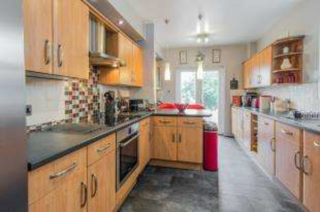 Image of 3 Bedroom Terraced for sale at London  Woolwich, SE18 3PE