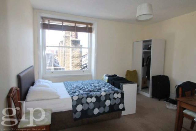 Image of 2 Bedroom Flat to rent at Charing Cross Road Covent Garden London, WC2H 0DG