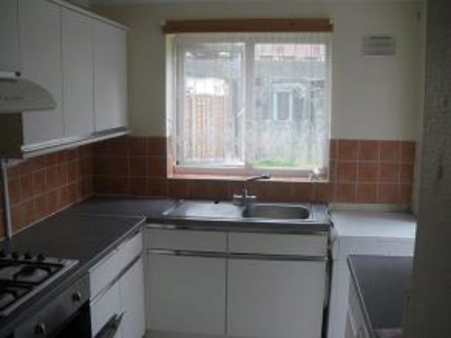 Image of 3 Bedroom Terraced to rent in East Ham, E6 at Flanders Road, London, E6