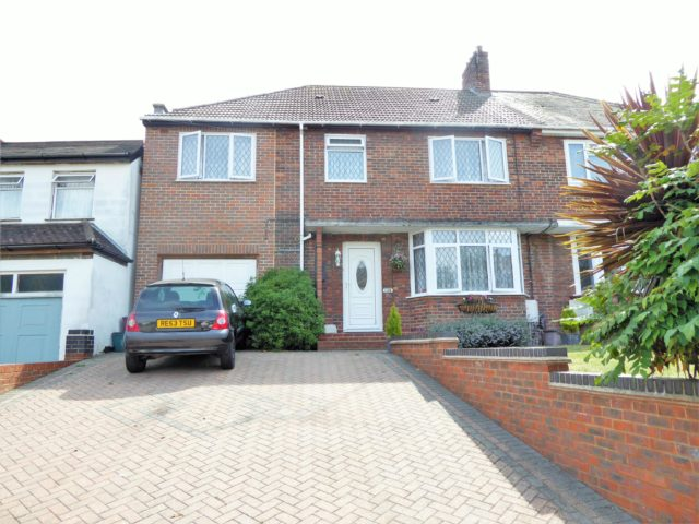 Image of 4 Bedroom Semi-Detached for sale in Erith, DA8 at Avenue Road, Erith, DA8