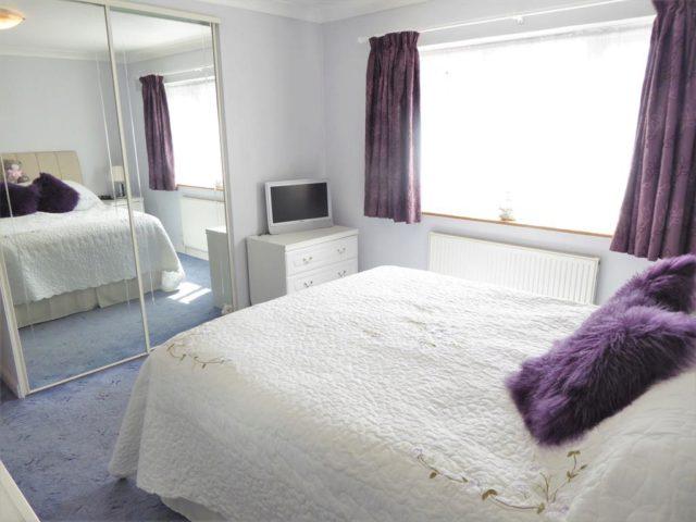 Image of 4 Bedroom Semi-Detached for sale in Erith, DA8 at Avenue Road, Erith, DA8