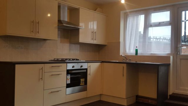Image of 1 Bedroom Flat to rent in Forest Gate, E7 at Green Street, London, E7