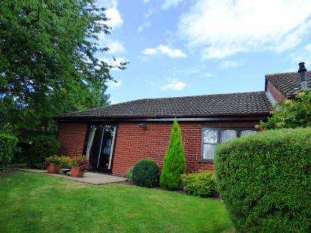 Image of 2 Bedroom Bungalow for sale at Burton-On-Trent Staffordshire Winshill, DE15 9GA
