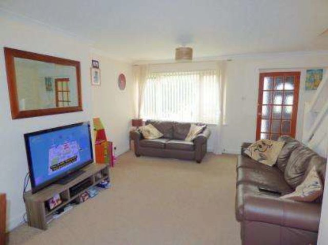 Image of 3 Bedroom Semi-Detached for sale at Oadby Leicester Oadby, LE2 5WG