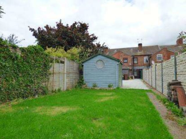 Image of 3 Bedroom Terraced for sale at Burton-On-Trent Staffordshire Horninglow, DE13 0SB