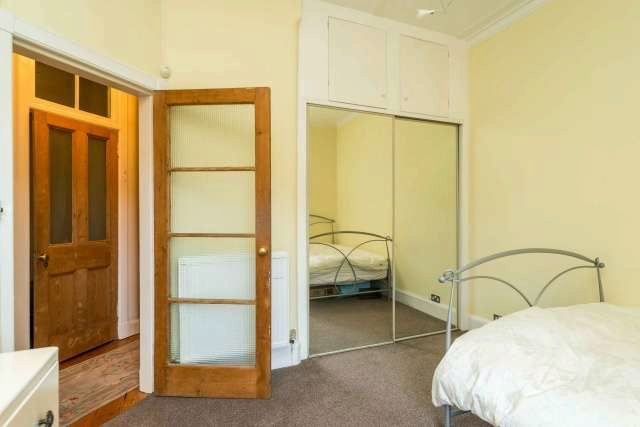 Image of 1 Bedroom Flat for sale in Edinburgh, EH4 at Comely Bank Row, Edinburgh, EH4