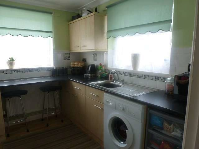 Image of 2 Bedroom Bungalow to rent in Lowestoft, NR32 at June Avenue, Lowestoft, NR32