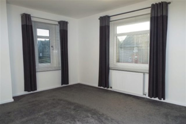 Image of 2 Bedroom Flat to rent in Glasgow, G66 at Kirksyde Avenue, Kirkintilloch, Glasgow, G66