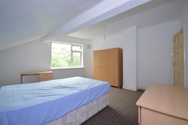 Image of 4 Bedroom Terraced to rent in Leeds, LS5 at Norman View, Kirkstall, Leeds, LS5